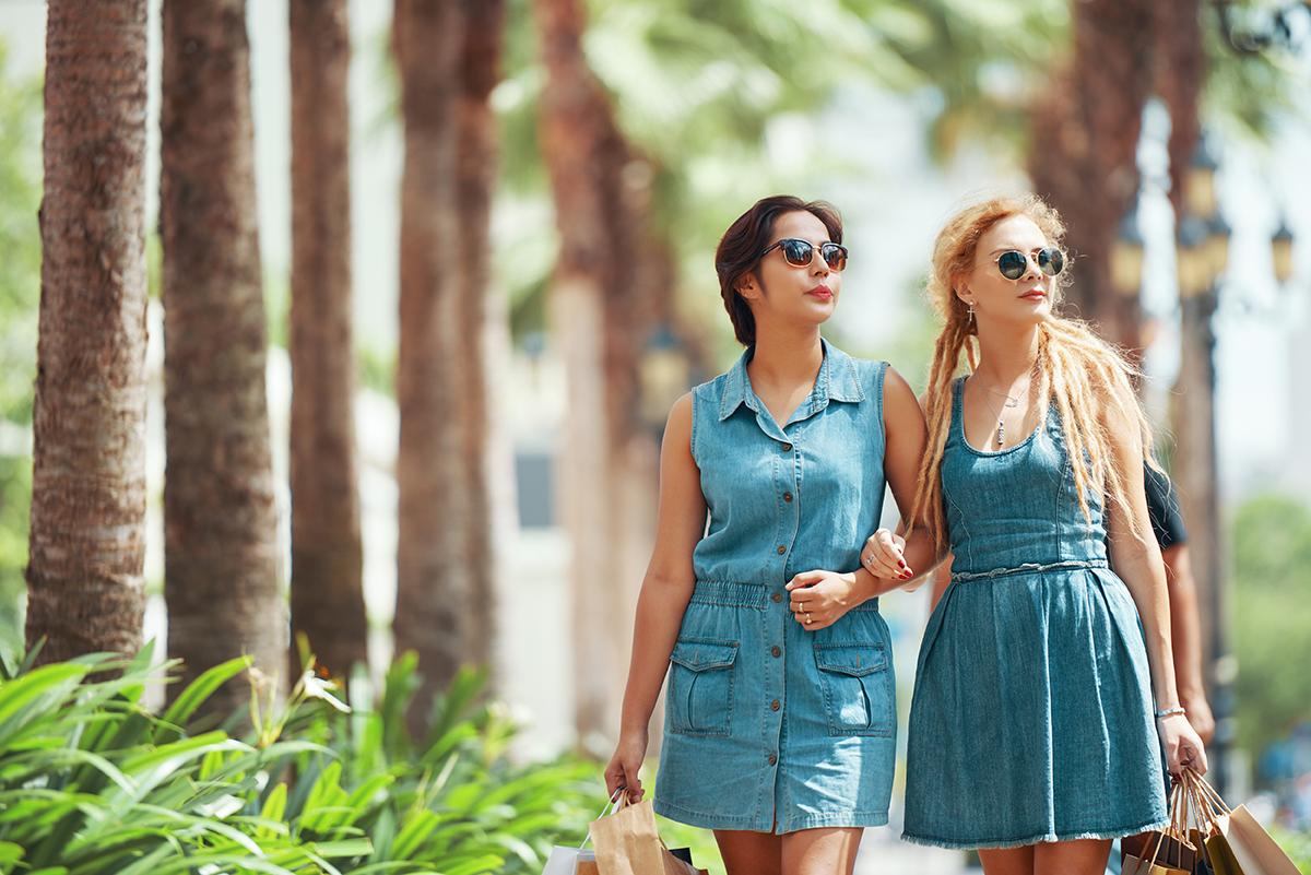 Sukienki jeansowe na lato