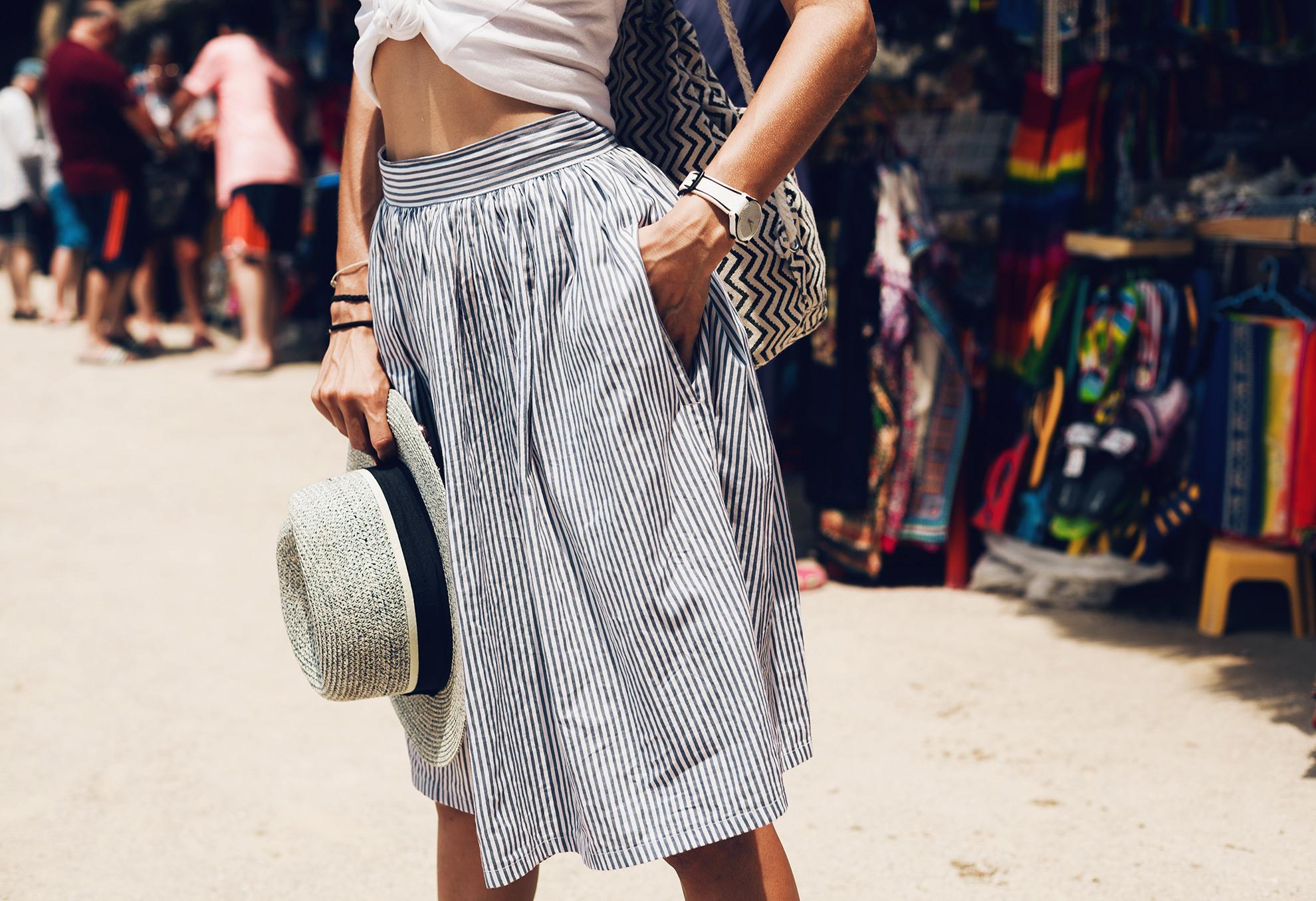 spódnica z kieszeniami, ilustracja do artykułu o spódnicach